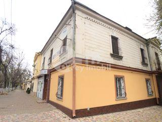 Apartament cu 4 camere, Centru, 135 mp, 85000 €!