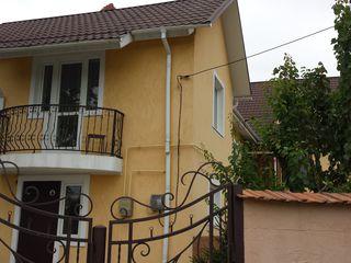 Casă, 2 nivele, 125 m2, 2 ari, Euroreparație, Ialoveni, Centru, str. Gr. Vieru!
