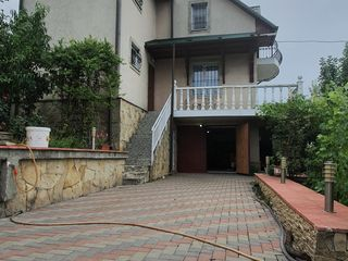 Se vinde casa cu 3 nivele in comuna Tohatin, euroreparatie, 120 m.p. amplasati pe 7 ari! 70 000 €