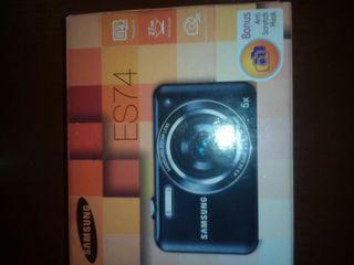Samsung ES 74  14.2 мега пикселей  в упаковке недорого.Cadou ideal pentru aniversari.