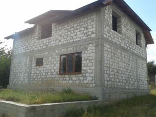 Casa 70% gata pe 7.5 ari, Ciorescu, Materiale de calitate superioara