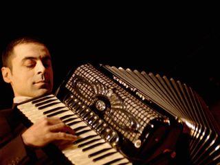 Lecții de accordeon și pian
