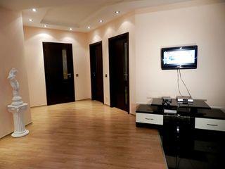 VIP - посуточно Холл студия + 2 отдельные спальни , Новострой - 24/24 !!!