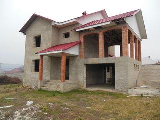 Продается котельцовый двухэтажный дом в  Сурученах