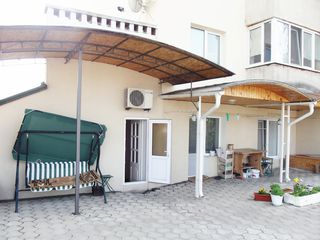 Casa la Posta Veche    , str. Doina-450 euro , comunalele sunt incluse