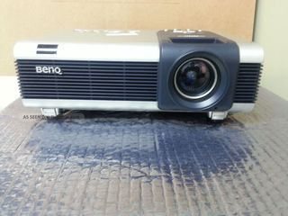 BenQ Projector PB8260 (DLP, 3500 люмен, 2000:1, 1024x768, 802.11b, D-Sub, DVI, RCA, S-Video