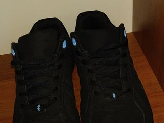 кроссовки почти новые