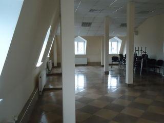 85-130m2 под офис в центре г.Кишинева по ул Колумна пересечение с ул.Еминеску!