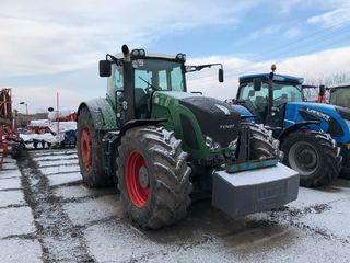 Se vinde: Combine (cu toate adaptoarele), tractor, semanatoare