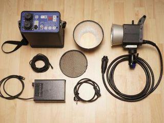 Hensel+студийный проффи свет+генератор+можно снимать на улице как в студий.недорого.
