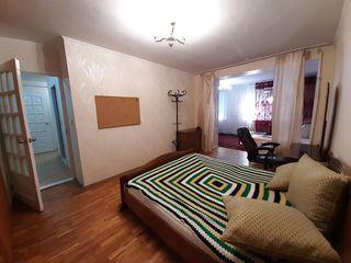 Vânzare Urgentă! Apartament 2 camere + Living 72 mp, Autonoma, Botanica - Titulescu.