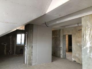 Penthouse. 170mp. 3 dormitoare. 3 blocuri sanitare
