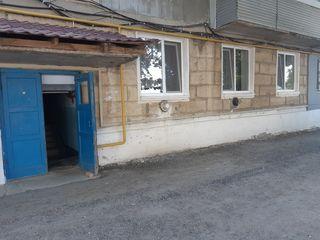 Vinzare apartament 3 odai plus garaj in sectorul centru str Unirii