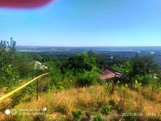Продаю дом в Вадул-луй-Водэ 25 соток земли 2 входа на участке дорога асфальтирована