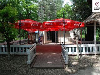 Vadul lui Voda, Cafenea cu terasa de vara, aproape de plaja
