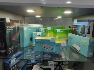 Обширный выбор wifi адаптеров , маршрутизаторов а также свичий и модемов по доступным ценам.