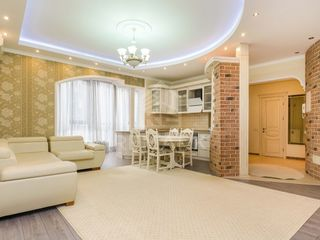 Spre vânzare, apartament Coliseum Palace, Râșcani str. N. Dimo, 124900 €