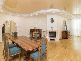 Chirie , Apartament cu 4 camere , Centru , str. Ciuflea, 750 €
