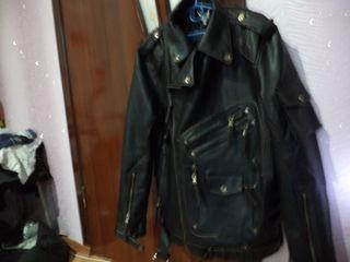 Продаю куртку из америки  ( званите )срочна недорога