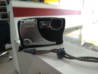 Canon противоударный, подводныи. + Флешка.