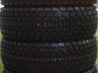 зимние шины Dunlop 275/60R18