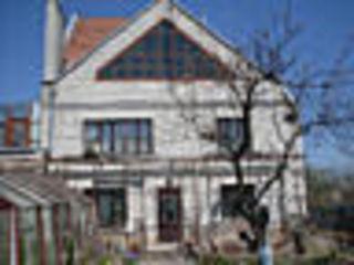 Продам 2-х этажный дом