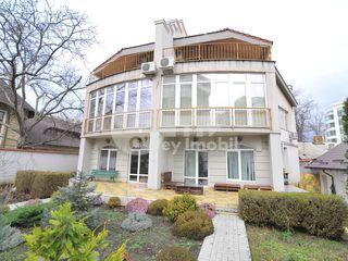 Vânzare casă cu 4 nivele, 9 ari, 880 mp, Centru