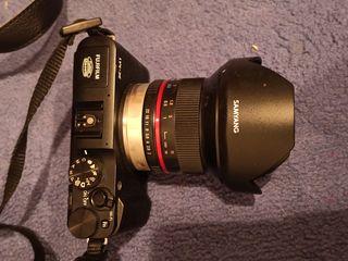 Vând aparat de fotografiat fujifilm x m-1 nou cu cutie