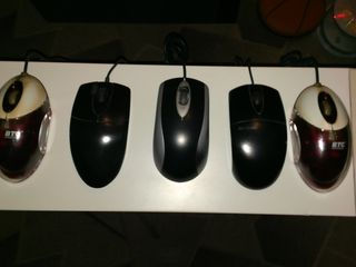 Мышки и клавиатуры по 20-30 лей