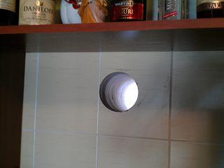 Deschiderile pentru hote de bucătărie.Аккуратно изготовим отверстие для кухонной вытяжки.