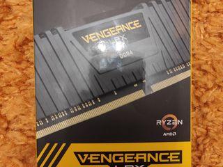 Corsair Vengeance LPX Kit 16GB (2x8GB) DDR4-3200MHz новая, DDR4 4-8GB Б/У