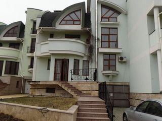 Casă cu 3 etaje + parter, Valea Crucii, 450 mp !
