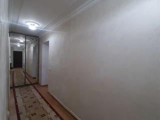 Vând apartament cu 3 odăi