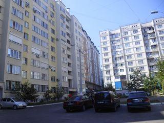 Botanica, apartament cu 3 odai,104 m2, euroreparatie, mobila, tehnica, autonoma - 300euro