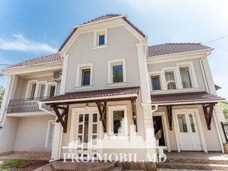 Centru! casă 2 nivele, 3 camere separate, design individual, autonomă! 172 mp!