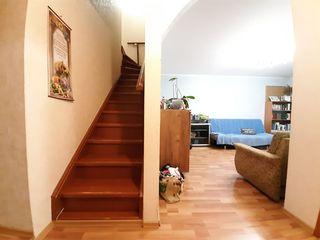 Apartament spatios cu 2 nivele, Botanica!