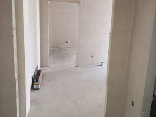 Se vinde apartament 60m2 +debara 4 m2 ,24.700 €