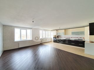 Apartament 2 camere+living, 96 mp, euroreparație, str. Ceucari 72900 €