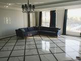 Apartament cu 2 odăi+living109m2.Botanica LUX!!!