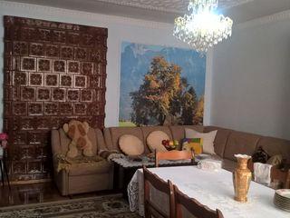 Двухэтажный дом из кирпичя. Продам или обменяю на 3х-ком+доплата. 69900