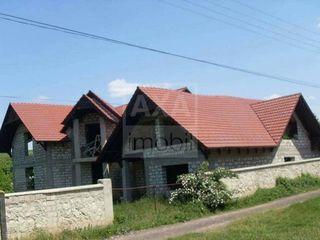Spre vânzare - casă în 2 nivele amplasată în orașul Orhei, 18 ari de teren