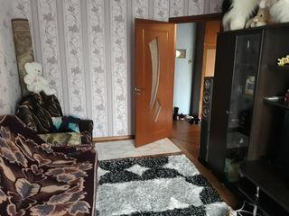 продается в центре 2 х ком, квартира