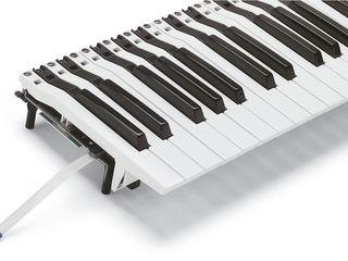 Instalez claviatură de Roland G-1000 la sintezatoare KORG PA-300,600,700,900,1000.