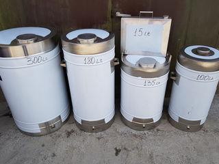 Butoi  din metal inoxidabiL INOX de marca AISI 304 este ideal pentru a păstra în el vinul.