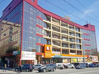 Chirie oficiu, Rîșcani, str. Alecu Russo, 40 m2, et. 4/6, euroreparație!
