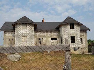 Se vinde casa duplex in satul Bubuieci la pret bun!