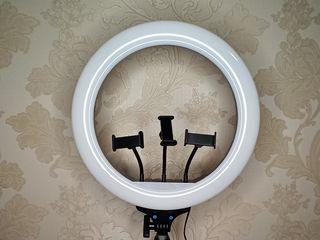 Vand LED lampa inelara cu diametru de 45cm. Продам кольцевую светодиодную лампу!!