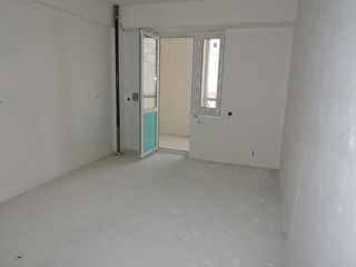 Cumpar apartament urgent