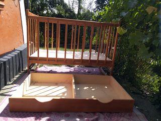 Продается детская кроватка из натурального дерева. Ручная работа.