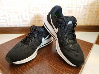 Nike, Skechers.